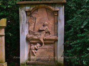 Grabplatte auf dem alten Friedhof Freiburg