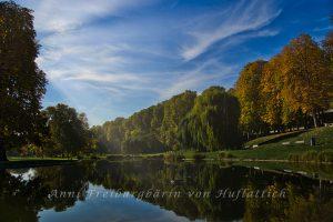 Der Rosensteinpark döst in der Nachmittagssonne
